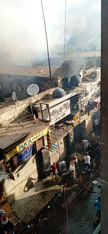 حريق بسوق الخضار بالموسكى (7)