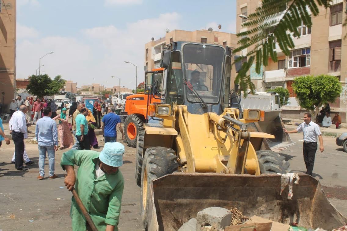 جهاز السادات يشن حملة للقضاء على المخالفات والإشغالات بالمدينة (6)