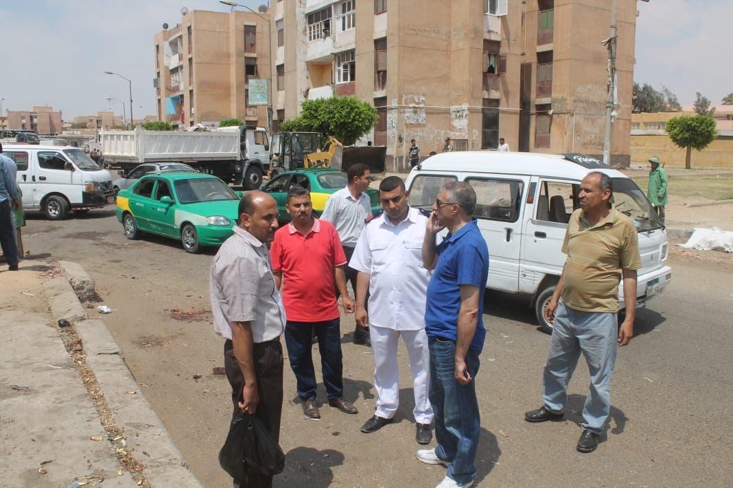 جهاز السادات يشن حملة للقضاء على المخالفات والإشغالات بالمدينة (2)
