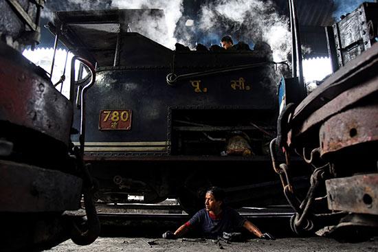 القطار (2)