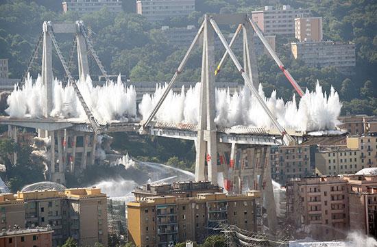 وضع حجر أساس جسر جنوة الجديد بإيطاليا