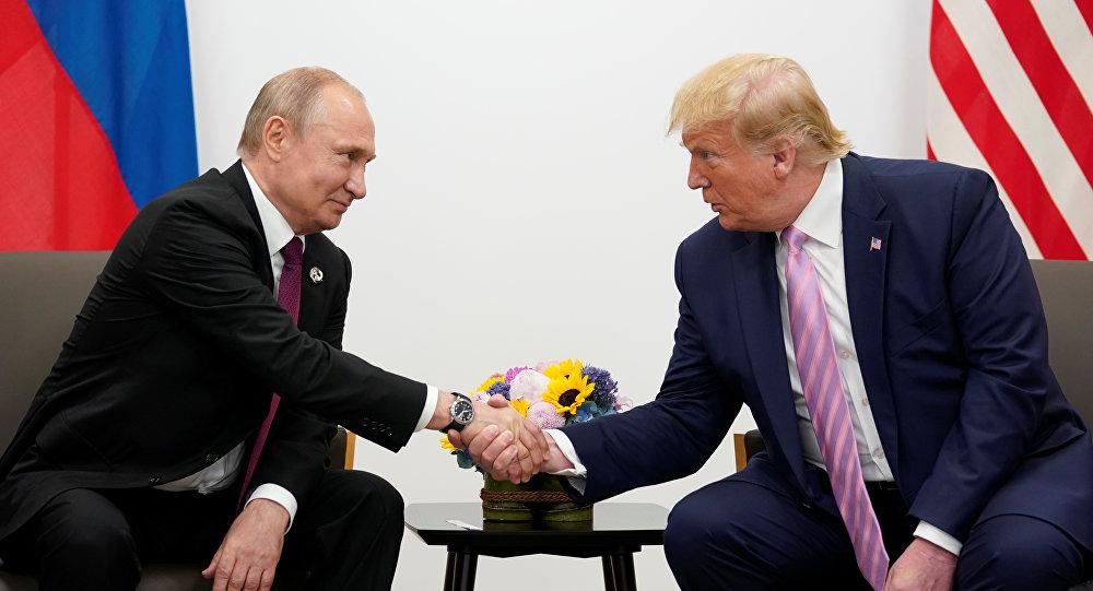 دونالد ترامب ونظيره فلاديمير بوتين