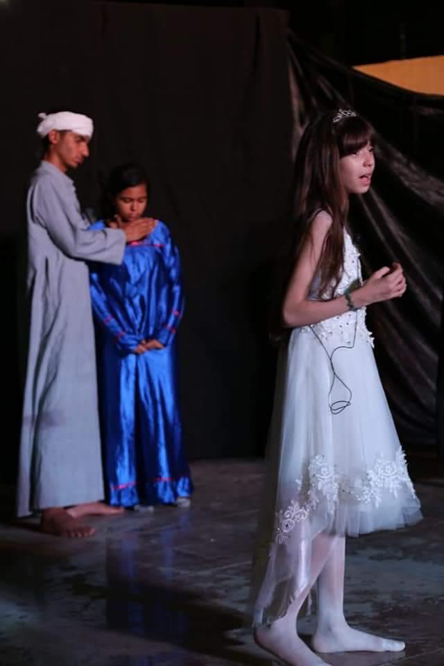 قبل الأوان مسرحية تناقش زواج القاصرات على مسرح الأسمرات (3)