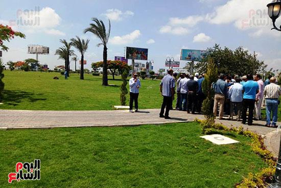 وفد البرلمان ومحافظ الإسكندرية يزورون الحديقة الجديدة بمدخل المحافظة (2)
