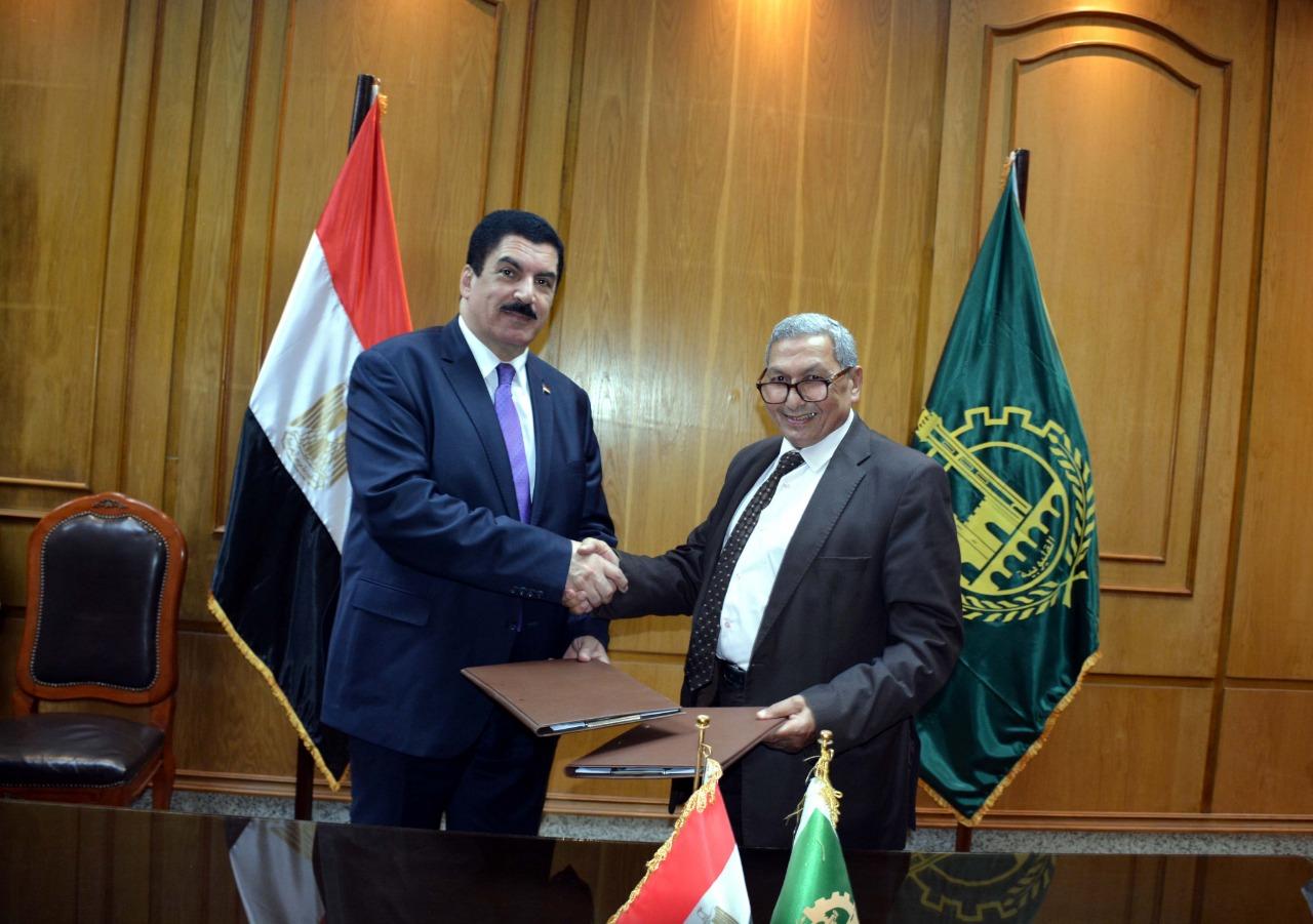 محافظ القليوبية يوقع بروتوكول تعاون لتطوير ميدان أحمد عرابي (2)