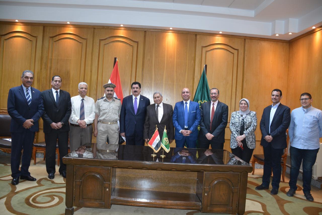 محافظ القليوبية يوقع بروتوكول تعاون لتطوير ميدان أحمد عرابي (3)