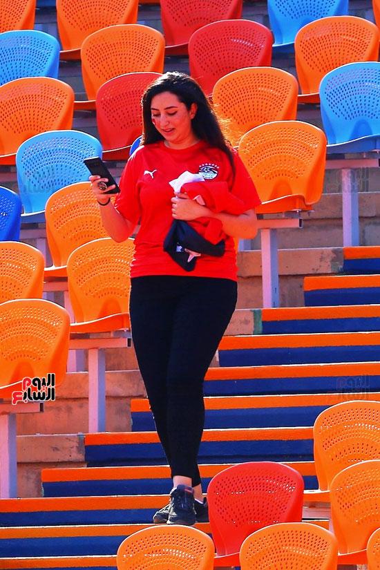 مشجعى منتخب مصر أمام أوغندا (62)