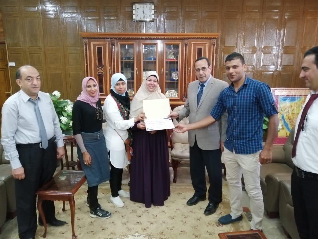 محافظ شمال سيناء يكرم الفائزين  (4)