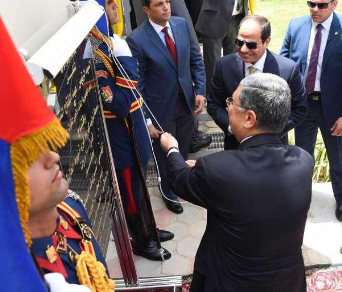 الرئيس عبدالفتاح السيسي يفتتح محطة كهرباء غرب اسيوط  (1)