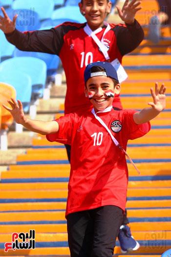 مشجعى منتخب مصر أمام أوغندا (24)