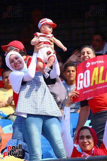 مشجعى منتخب مصر أمام أوغندا (22)