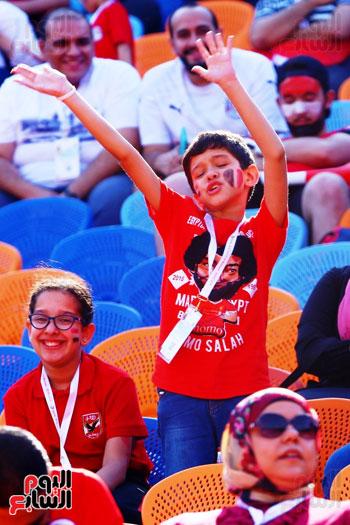 مشجعى منتخب مصر أمام أوغندا (33)