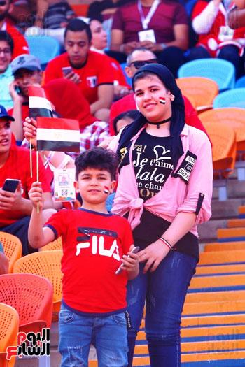 مشجعى منتخب مصر أمام أوغندا (32)