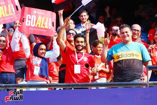 مشجعى منتخب مصر أمام أوغندا (19)