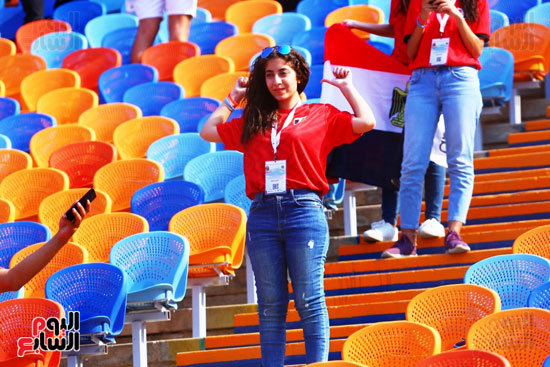 مشجعى منتخب مصر أمام أوغندا (16)