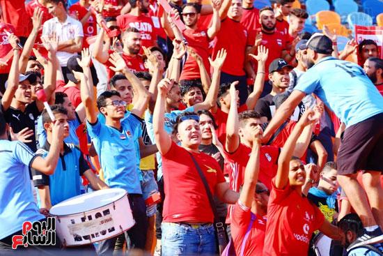 مشجعى منتخب مصر أمام أوغندا (30)