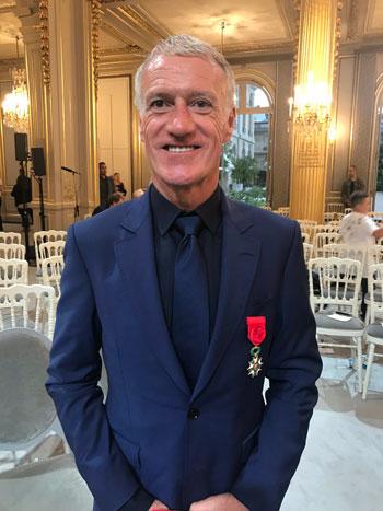 ماكرون يمنح لاعبى منتخب فرنسا وسام الدولة (7)