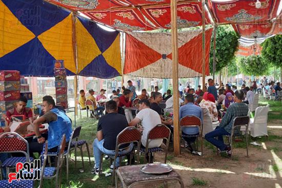 الإقبال على الملاهى بحدائق أسيوط (11)
