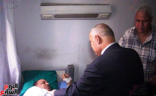 رئيس-النقل-العام-بالقاهرة-يتفقد-مستشفى-الهيئة-(5)