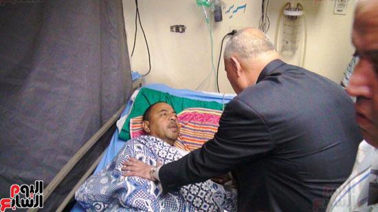رئيس-النقل-العام-بالقاهرة-يتفقد-مستشفى-الهيئة-(6)