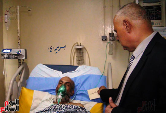 رئيس-النقل-العام-بالقاهرة-يتفقد-مستشفى-الهيئة-(1)