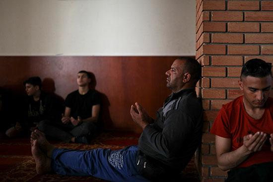 أدعية وابتهالات المصلين فى المسجد