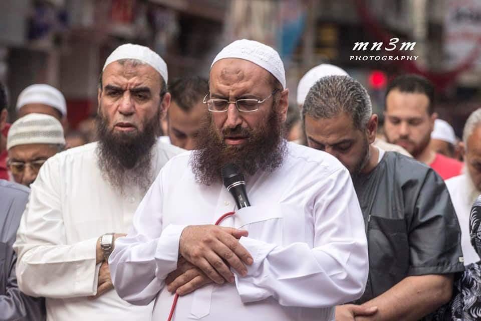 ياسر برهامى ينشر صورة يؤم السلفيين بالإسكندريه (6)