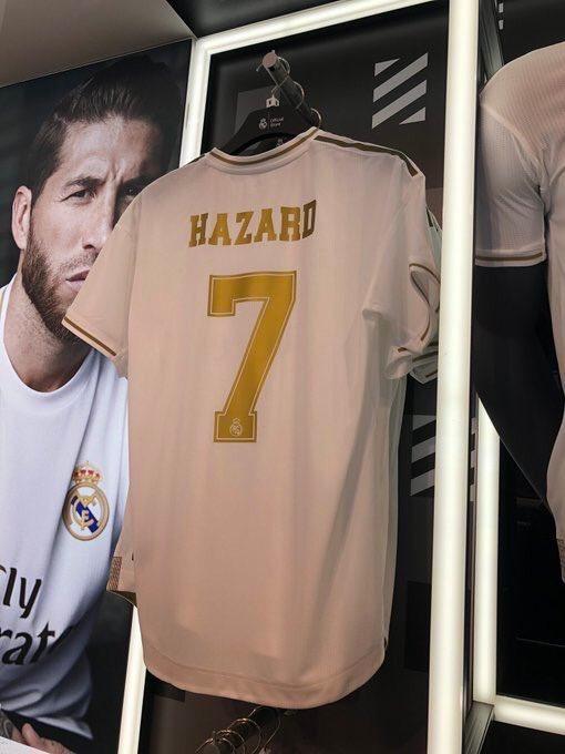 قميص هازارد