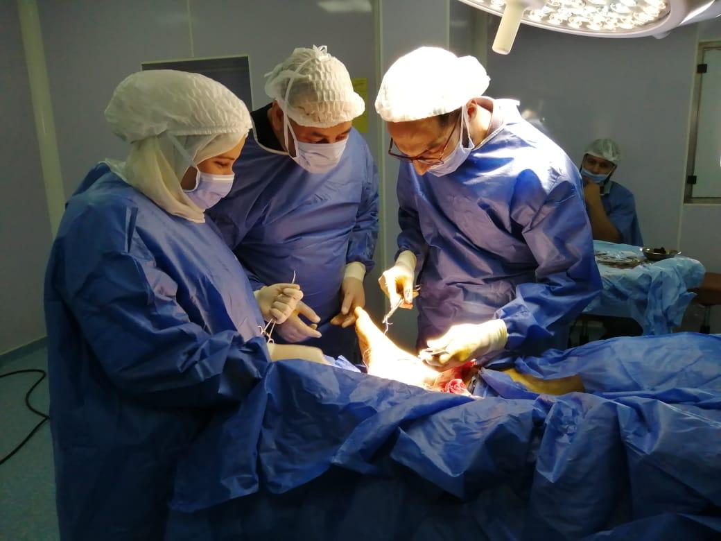 التبرع بأجهزة طبية للمستشفيات الحكومية (6)