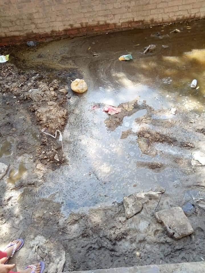 غرق الشوارع بالصرف الصحى (3)