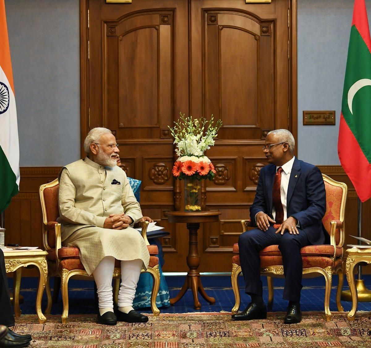 لقاء مودى مع رئيس المالديف