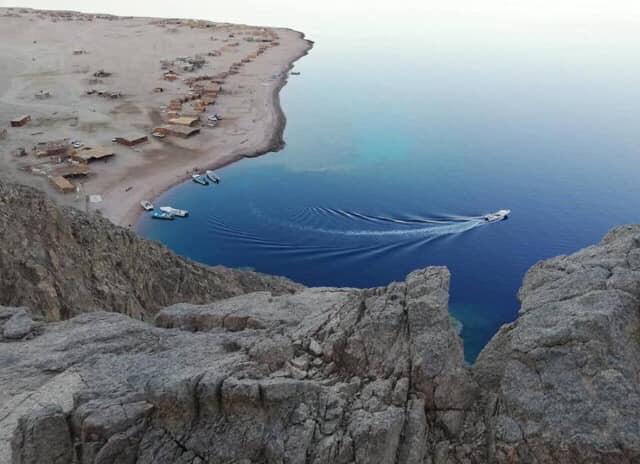 شاطئ دهب المصرية يحتل المركز الأول كأفضل شواطئ الشرق الأوسط (1)