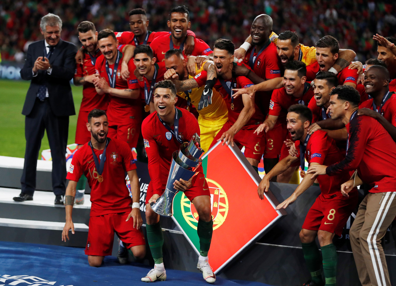 تتويج البرتغال بلقب دورى الامم الاوروبية (3)