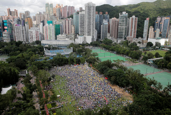 مظاهرات حاشدة فى هونج كونج ضد قانون