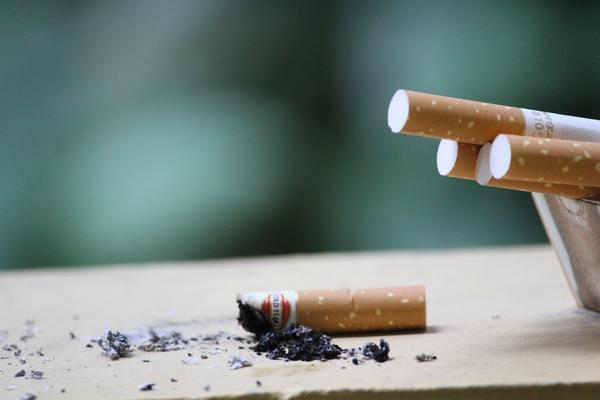 التدخين السلبى يقتل الاطفال الرضع