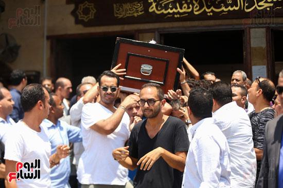 جنازة-الفنان-الكبير-عزت-أبو-عوف
