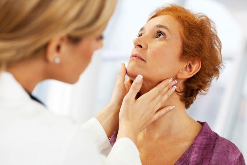 اعراض سرطان الغدة الدرقية 4