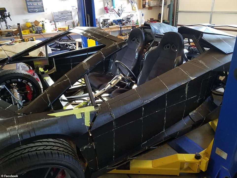 أب وأبنه يصممون سيارة (15)