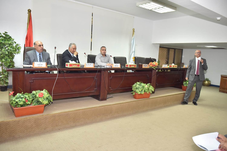 الاجتماع التنسيقي لتحديث المخطط الاستراتيجي العام لمركز البداري (3)