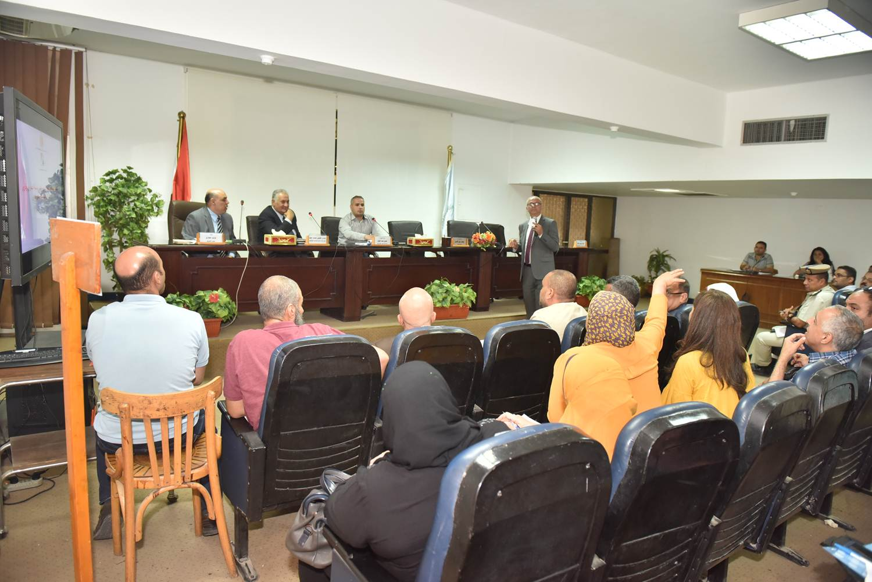 الاجتماع التنسيقي لتحديث المخطط الاستراتيجي العام لمركز البداري (2)