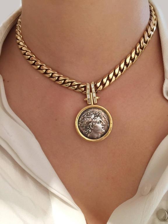 الجنية الذهب``