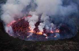 بحيرة حمم بركانية 3