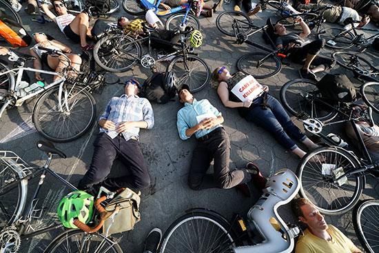وقفة لأصحاب الدراجات فى نيويورك للمطالبة بتوفير طرق أمنة لهم (5)
