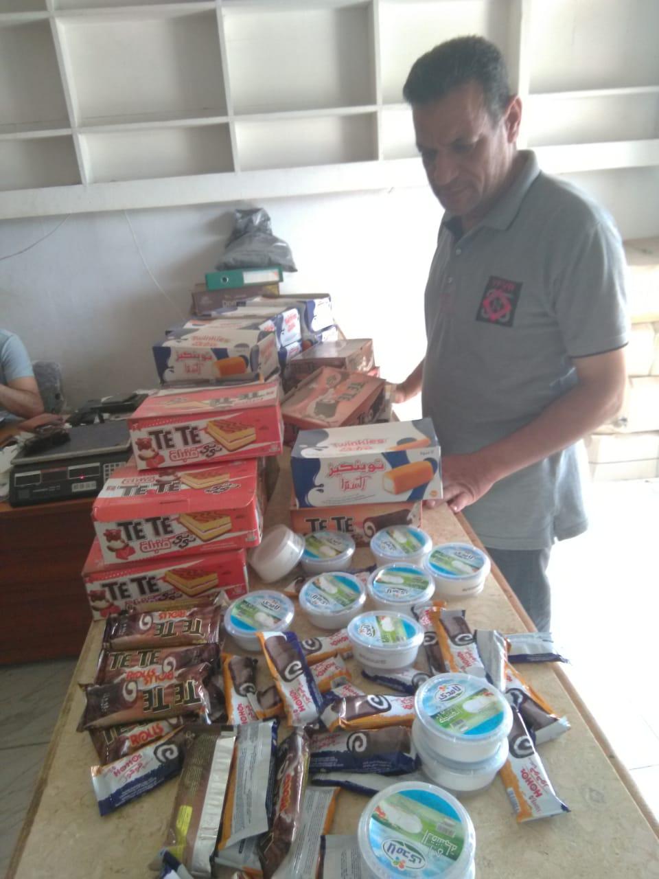 ضبط مخالفات تموينية وأغذية فاسدة وسولار مهرب بمركز النجيلة في مطروح  (3)
