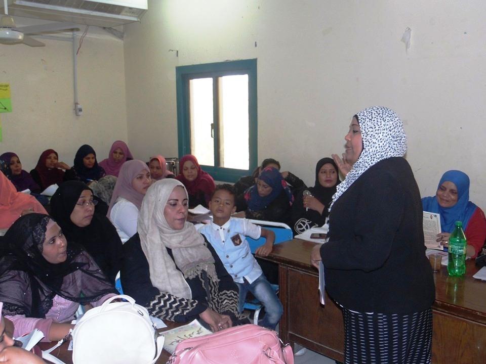 صحة أسوان تنظم دورات تدريبية لرعاية صحة الأم والطفل (1)