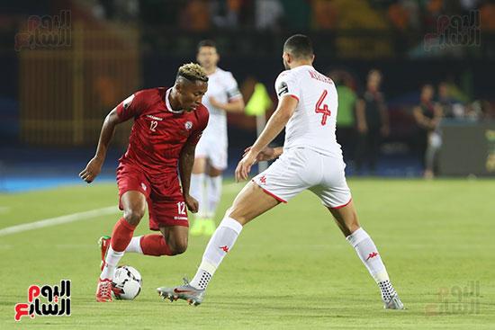 تونس ومدغشقر (111)