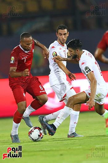 تونس ومدغشقر (62)