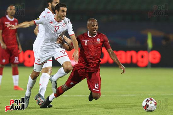 تونس ومدغشقر (86)