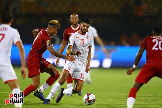 تونس ومدغشقر (66)