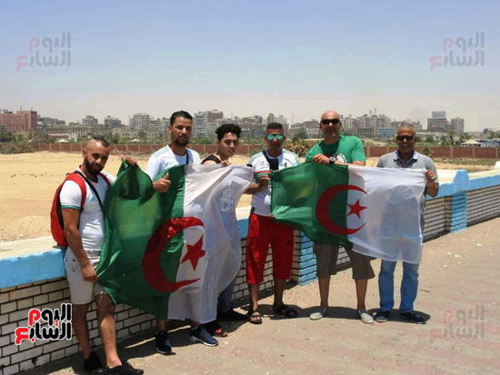جماهير-الجزائر-تغزو-السويس-قبل-مباراة-كوت-ديفوار-(3)